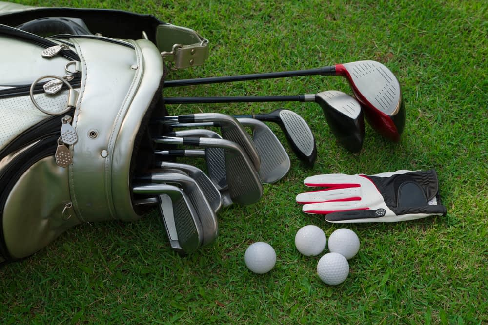 how many clubs in a golf bag